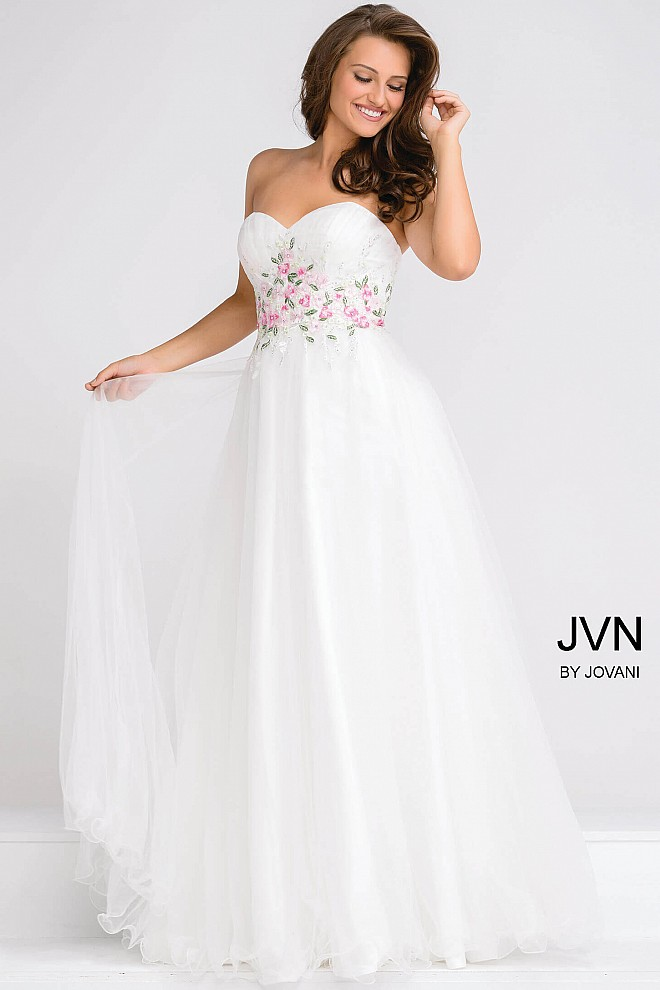 Ivory Sweetheart Neckline Embroidered Tulle Ballgown JVN47031
