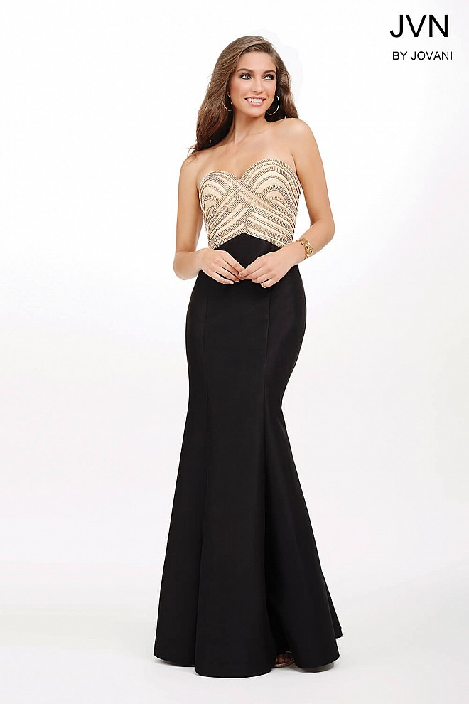 Black Sweetheart Neckline Dress JVN33933
