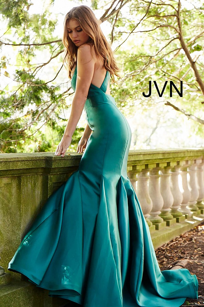 be8352f7d0 Green long fitted criss cross back plunging neck mermaid gown.