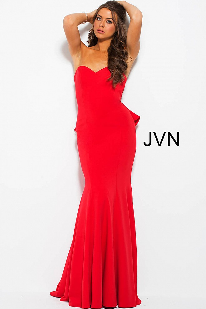 Red sweetheart neckline cocktail dress